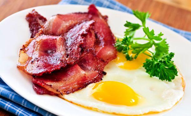 Itä-Suomen yliopiston tutkimuksen mukaan kohtuullisen runsas kolesterolin saanti ruokavaliosta tai yhden kananmunan syönti päivässä ei ollut yhteydessä suurentuneeseen dementian tai Alzheimerin taudin riskiin.
