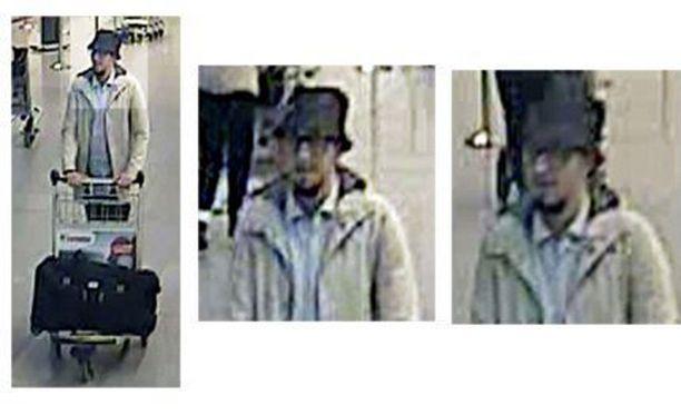 Lentokentän kolmatta terroristia on etsitty tiistain iskusta lähtien. Hattupäinen mies näkyy valvontakameran kuvassa valkoiseen takkiin pukeutuneena.
