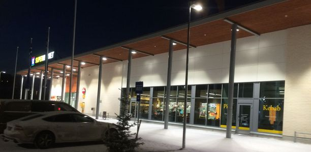 Oulun Toppilassa maanantaina tapahtuneessa pahoinpitelyrikoksessa oli osallisina kuusi henkilöä.