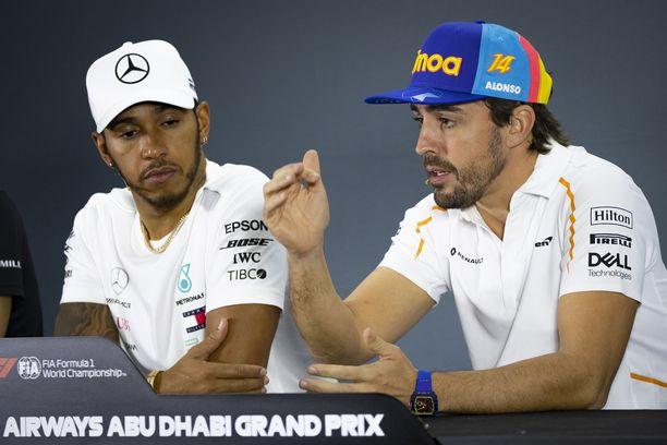 Fernando Alonso antoi F1-kuskeille ohjeita Lewis Hamiltonin lyömiseksi.