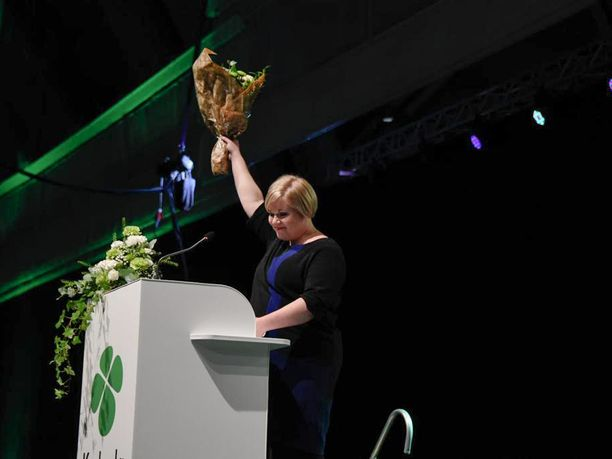 Annika Saarikko valittiin keskustan uudeksi puheenjohtajaksi.