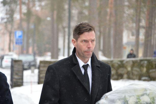 Mäkimiehenä myös tunnettu Janne Ahonen oli hautajaisvieraiden joukossa.