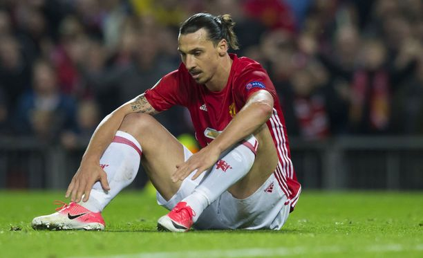 Zlatan Ibrahimovic pysyy pitkään sivussa.