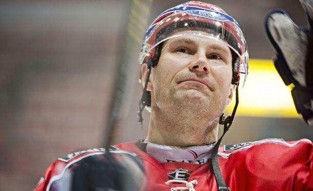 Kimmo Kuhta pelasi uransa viimeisen SM-liigaottelun Tapparaa vastaan maaliskuussa 2013 Hakametsässä.