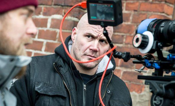 Renne Korppila on tunnettu paitsi radiojuontajana, myös punk-laulajana. Hän toimi myös X Factor -ohjelman tuomarina vuonna 2010.