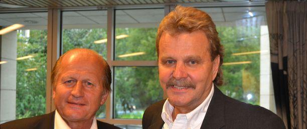 Juhani Tamminen (vas.) ja Pentti Matikainen tuovat Mestikselle uskottavuutta kokemuksellaan.