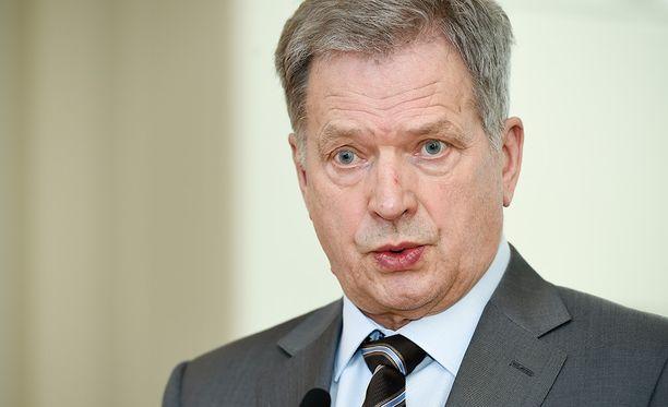 Presidentti Niinistö ottaa osaa Britannian suruun.