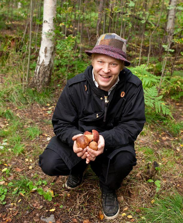 Sami Tallberg on kirjoittanut kirjoja lähiruoan ja villiyrttien hyödyntämisestä.