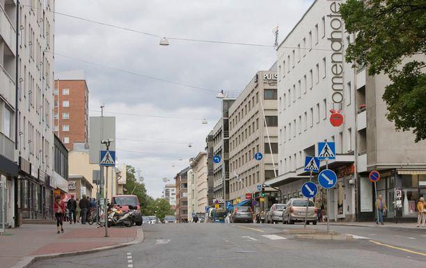 Mieshiippari on tunkeutunut asuntoihin Turun keskustan alueella.