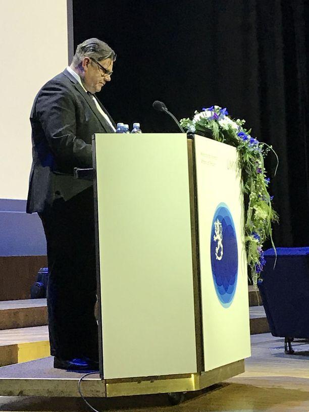 Ulkoministeri Timo Soini piti juhlapuheen ulkoministeriön 100-vuotisjuhlissa.
