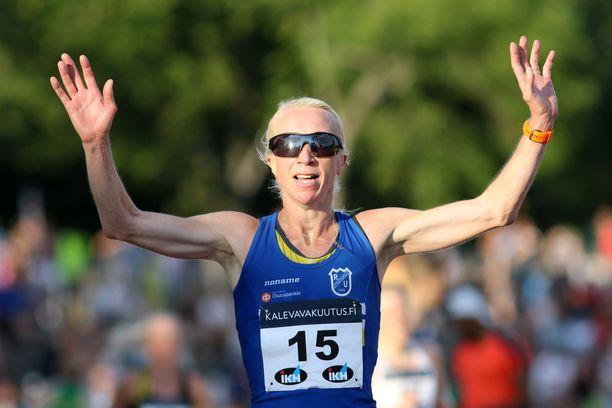 Annemari Kiekara voitti Turun Kalevan kisoissa kesällä 10 000 metriä.