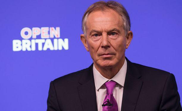 Brittimedioiden mukaan Blair on myös itse ollut aktiivinen asiassa Trumpin suuntaan.