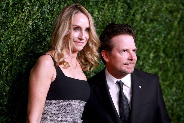 Tracy Pollan ja Michael J. Fox ovat neljän lapsen vanhempia.