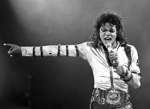 Michael Jackson kuoli kesäkuussa 2009. Miehen kappaleisiin kuuluvat esimerkiksi Billie Jean ja Thriller.
