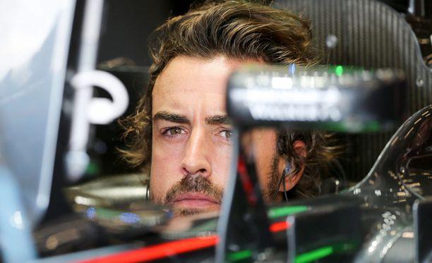 Fernando Alonso sai kymmenen lähtöruudun rangaistuksen viikonloppuna ajettavaan Monzan kisaan.