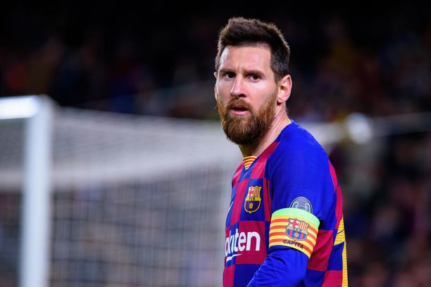 Lionel Messi haastoi Barcelonan seurajohdon.