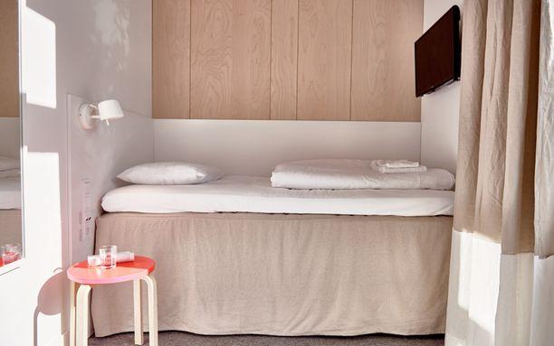 Budjettireissaajalle on tarjolla tällaisia neljän neliömetrin minihuoneita.