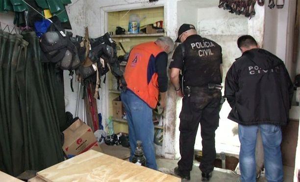 Poliisi pidätti yhteensä 16 henkilöä, osa tuttuja jo aikaisemmista pankkiryöstöistä.