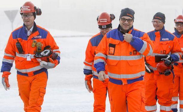 Pääministeri Juha Sipilä (kesk) odottaa oikeuskanslerin ratkaisua oamsta toiminnastaan kaivosyhtiö Terrafameen liittyvissä kysymyksissä.