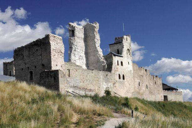 Rakveren linnassa voi tehdä aikamatkan keskiajalle.