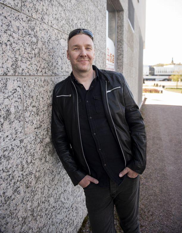 Laulaja Marko Saaresto on tyytyväinen bändin nykytilanteeseen.