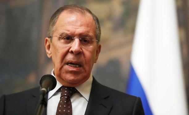 Sergei Lavrov sanoi Venäjän olevan tietoinen aikarajasta, jonka Britannia antoi maalle asian selvittämiseksi. Aikaraja umpeutuu tänään.