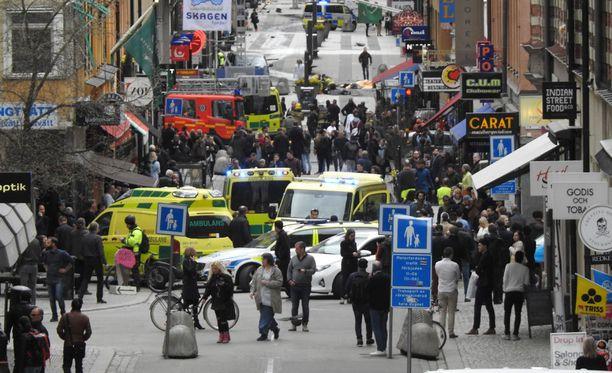 Ruotsissa tapahtunut terrori-isku järkyttää myös suomalaisia.