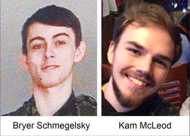 Epäillyt murhaajat Bryer Schmegelsky ja Kam McLeod etsintäkuulutuskuvassa.