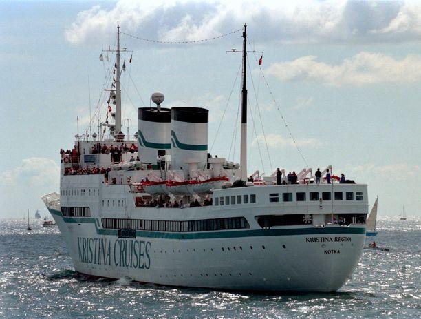 Kristina Regina risteili vuonna 1994 Britannian vesillä. Kuva on otettu Spitheadissa.