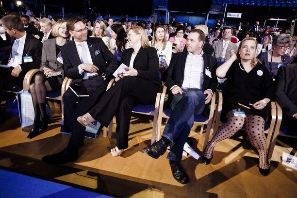 MTV:n mukaan isku oli tarkoitus toteuttaa joko puoluekokouspaikalla Lappi Areenalla tai hotelli Pohjanhovissa. Kuva kokoomuksen puoluekokouksesta Rovaniemeltä vuodelta 2012. Pääministerinä ja kokoomuksen puheenjohtajana toimi tuolloin Jyrki Katainen.