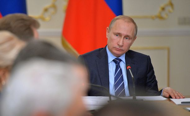 Suurin osa venäläisistä saa jo tuntea Putinin ratkaisujen vaikutukset nahoissaan.