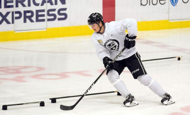 Jääkiekko on kuulunut Rasmus Kuparin kesään oleellisesti.