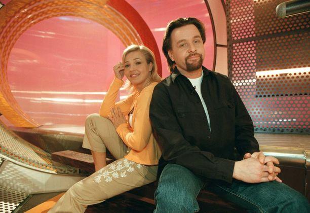Marita juonsi vuosina 1999-2001 televisiossa Videotreffit-ohjelmaa. Jonkin aikaa juontajaparina oli Heikki Hela. Kuva vuodelta 2001.