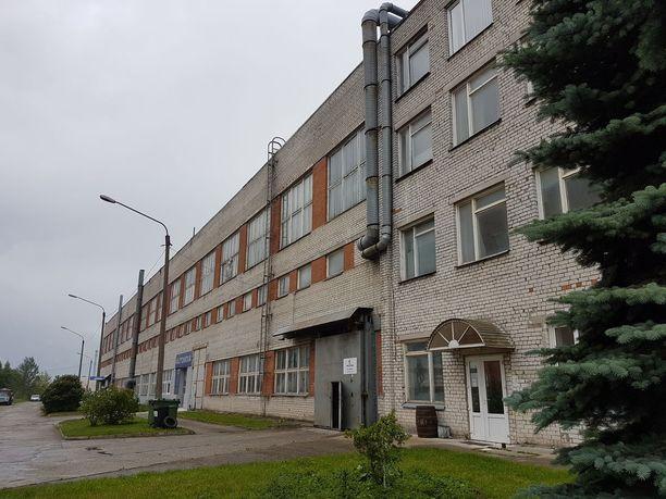 Sori Brewing -panimo toimii tehdasrakennuksessa, jonka viereen suunnitellaan Virosta muualle Eurooppaan Baltian haki kulkevaa rautatietä.