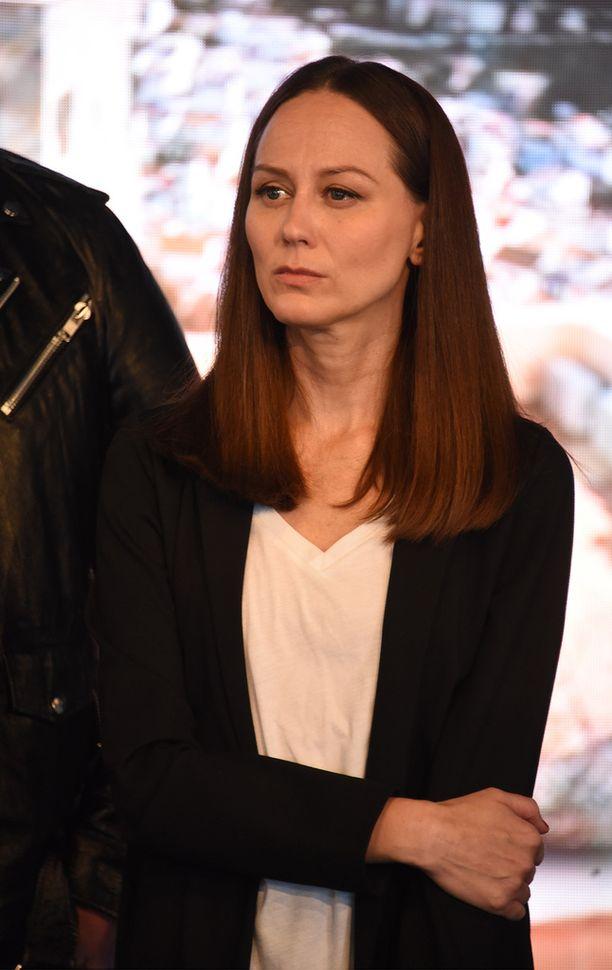 Terhi Kokkonen, 43, on tunnettu suomalainen laulaja.