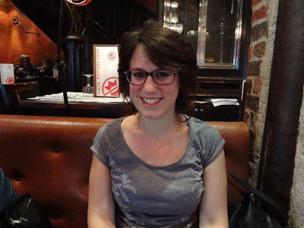 Jatko-opiskelija Béatrice Guillier, 25, pelkäsi aluksi lähiöön muuttoa, mutta enää hän ei muuttaisi takaisin Pariisiin.