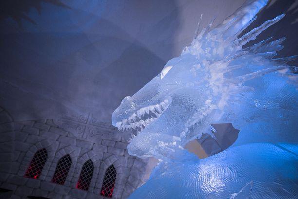12-tonninen lohikäärme on vaikuttava näky.