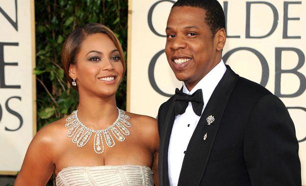 Jay-Z:n elämä on ottanut uuden suunnan sitten lapsuuden. Nykyään hän ja vaimo Beyonce Knowles ovat Hollywoodin rikkaimpia pariskuntia.