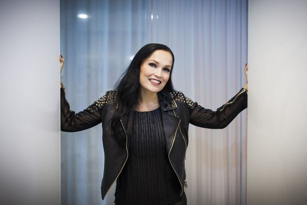 Tarja Turunen on yksi Raskasta joulua -kiertueen artisteista.