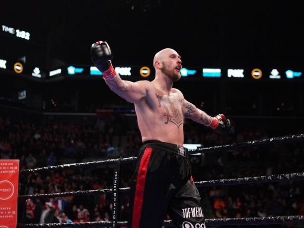 Tuulettaako Robert Helenius jälleen voittoa Adam Kownackia vastaan?