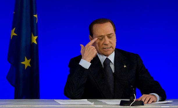 Italian pääministeri Silvio Berusconi puhui lehdistötilaisuudessa Cannesin G20-kokouksessa viime viikolla.