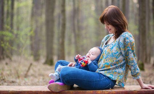 Moni Iltalehdelle tarinansa kertonut mainitsi kypsemmällä iällä vanhemmaksi tulemiseen liittyvän rauhallisuuden tunteen.