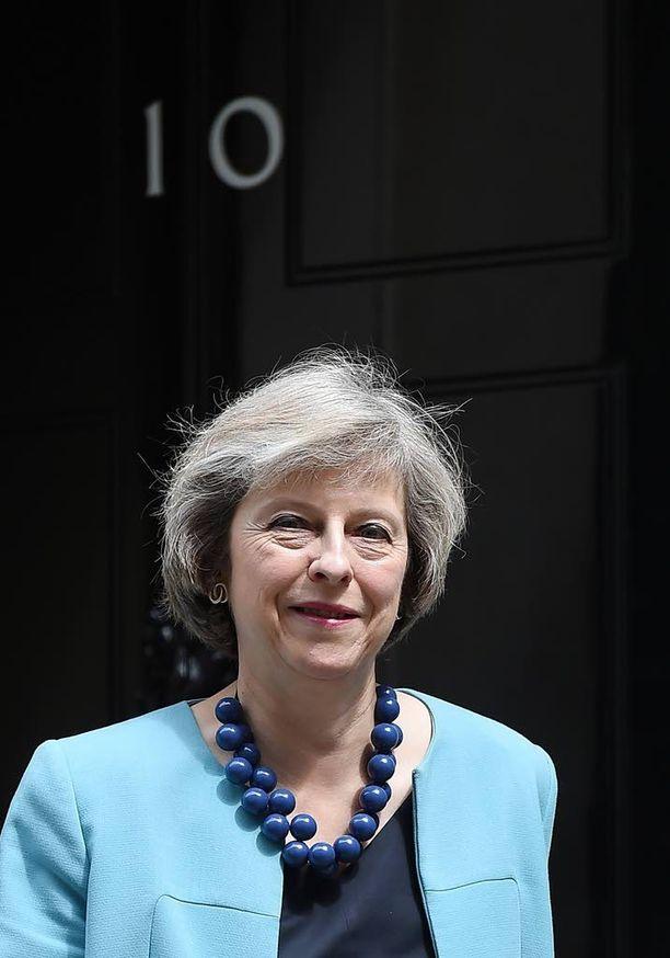 Theresa Mayta on povattu Johnsonin haastajaksi.