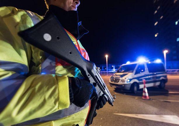 Pariisin terrori-iskujen suunnittelija liikkui vapaasti Euroopassa.