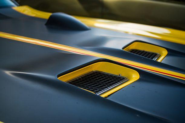 Buick GS 455 ´70:n konepellin ilmanottoaukot syöttävät ilmaa tehokkaalle veekasimoottorille.