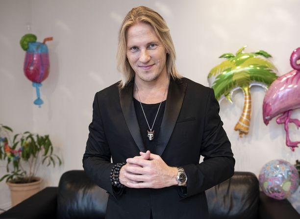 Sami Kuronen juontaa Temptation Islandin pian alkavaa uutta kautta.