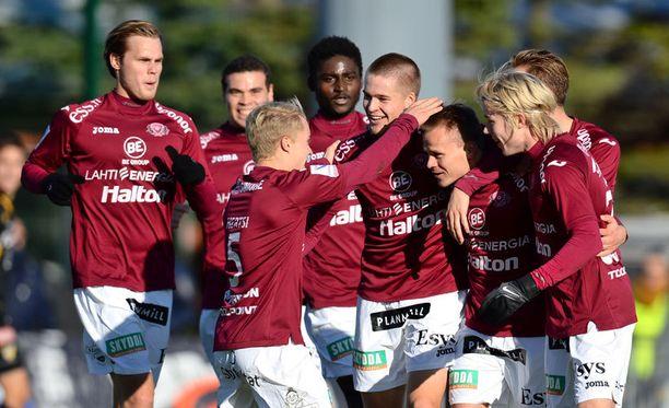 FC Lahden pelipaidassa nähdään ensi kaudella nimi Kuningas.