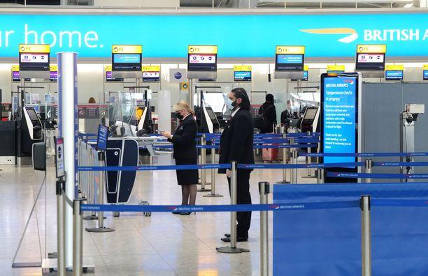 Lontoossa on otettu voimaan tiukkoja koronarajoituksia uuden virusvariantin vuoksi.