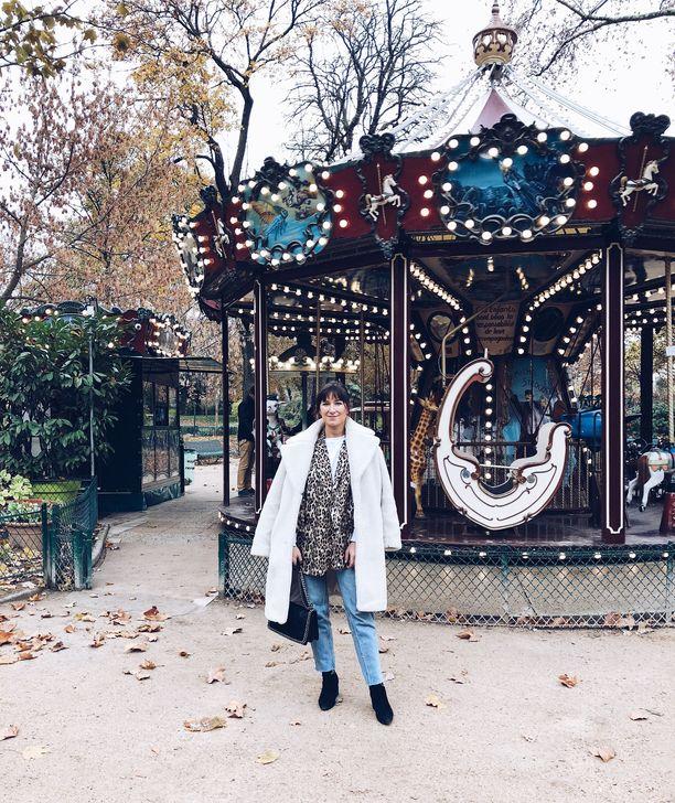 Elina ei ollut haaveillut muutosta Pariisiin, mutta nyt arki muodin mekassa on kuin unelmaa.
