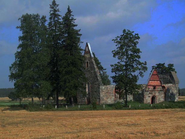 Useimmat Suomesta ryöstetyt pääkallot ovat peräisin Pälkäneen vanhan kirkon hautausmaalta.